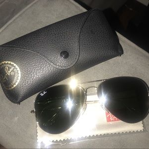 Ray Ban Large Aviator Sunglasses